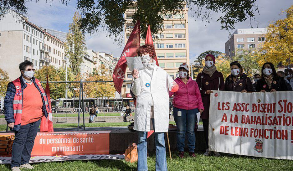 Personal de la salud protesta en Suiza este mes de octubre por mejoras salariales Foto Le Courrier