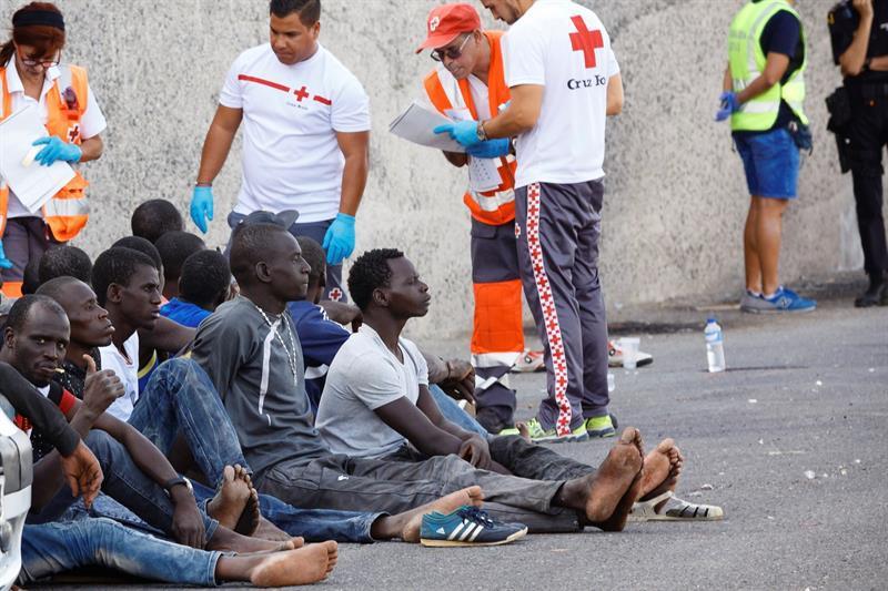 Migrantes africanos llegan a España foto Diario Publico