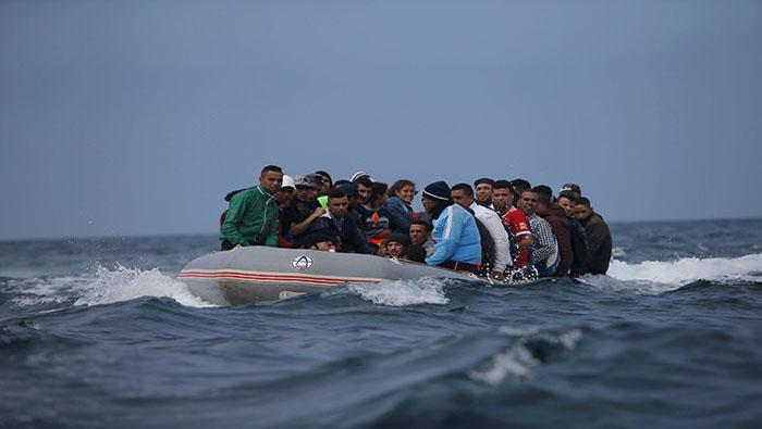 MIgrantes africanos en una patera foto Telesu (3)